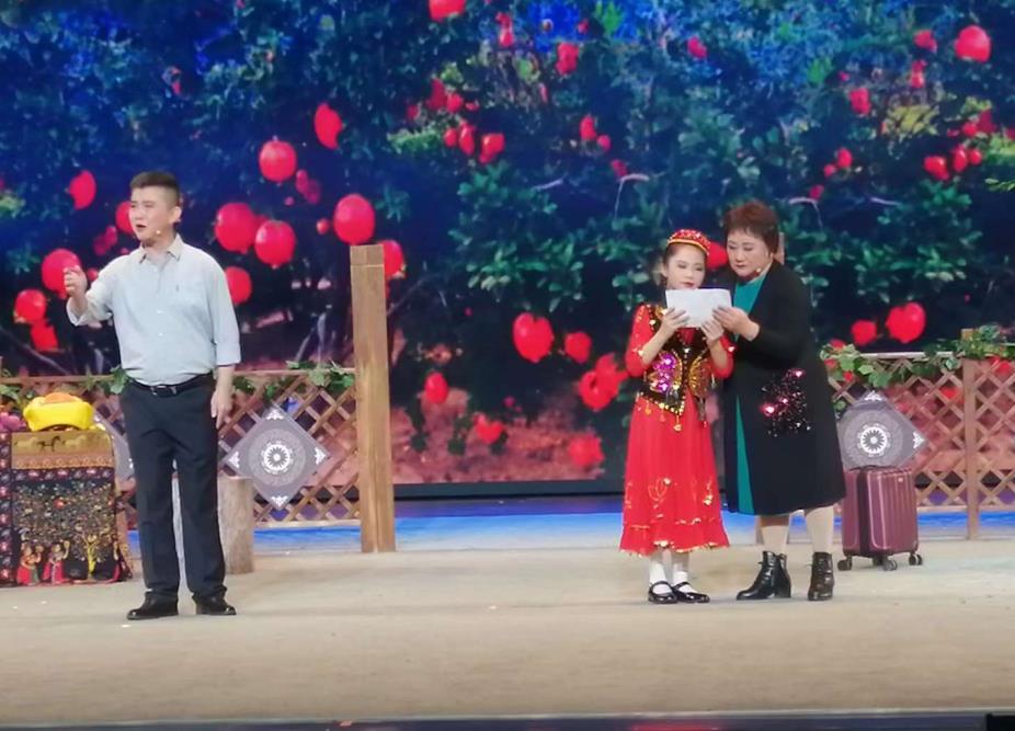 """安庆市代表队在第三届""""华东六省一市现代地方小戏大赛""""中喜获佳绩"""
